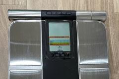 アップルジム板橋店のジム画像・いつでも身体をチェックできる体重・体脂肪計