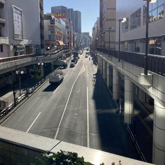 アップルジム町田Annex店までの道のり2・ドンキホーテやHOEIDOのある通りをお進みください。