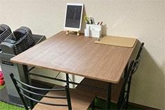 アップルジム練馬店のジム画像・カウンセリングテーブル