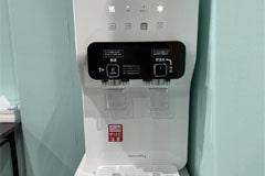アップルジム大塚店のジム画像・飲み放題のウォーターサーバー