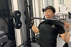 アップルジム新宿店のジム画像・担当トレーナーのトレーニング