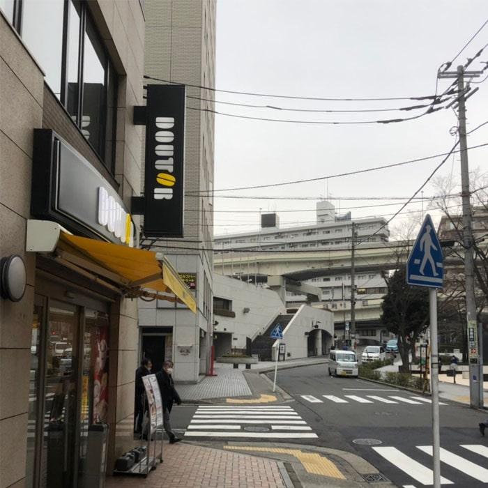 アップルジム横浜店までの道のり4・ドトールの角を左に曲がります。